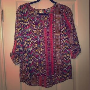 Multicolor blouse with button sleeves